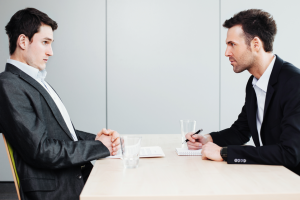 7 Erros frequentes dos candidatos na entrevista de emprego